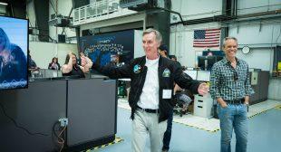 Bill Nye visits Virgin Galactic
