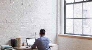 8 High Paying Work From Home Jobs That Don't Require Investments