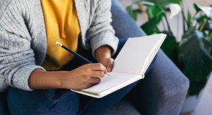 What Your Handwriting Says About Your Personality, From A Graphologist
