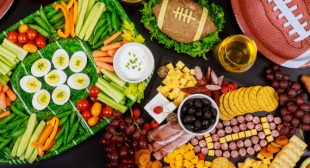 5 Essentials For An Amazing At-Home Super Bowl Party