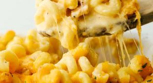 Incredible Lobster Mac and Cheese